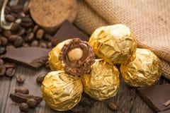 Włoscy czekoladowi cukierki z dekoracją Obrazy Stock