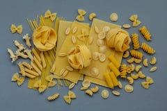 Włoscy foods pojęcia i menu projekt Asortowani typ makaron Zdjęcia Royalty Free