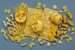 Włoscy foods pojęcia i menu projekt Asortowani typ makaron Fotografia Royalty Free