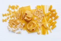 Włoscy foods pojęcia i menu projekt Asortowani typ makaron F Zdjęcie Royalty Free