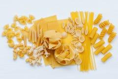 Włoscy foods pojęcia i menu projekt Asortowani typ makaron F Obrazy Royalty Free