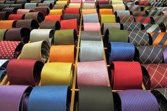 włoscy sprzedaży jedwabiu krawaty Obraz Royalty Free
