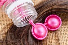 Włosiana witaminy serum kapsuła z uszkadzającym włosy Zdjęcie Stock