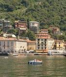 włoska willa i górska wioska na Jeziornym Como, Włochy Fotografia Stock