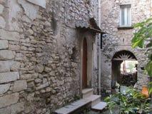 Włoska willa i podwórze zdjęcia royalty free