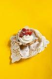 Włoski śmietanka tort z truskawkami Zdjęcia Stock