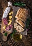 Włoski chleb Ciabatta, salami i ser Parmezańscy, Obrazy Royalty Free