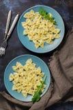 Włoski jedzenie, makaron w formie łęku zdjęcia royalty free