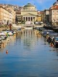 Włoski kopuła kościół na łódź porcie fotografia stock