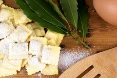 Włoski makaron, pierożek z mąk jajkami i zielenie, Zdjęcie Royalty Free
