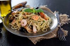 Włoski makaronu aglio olio z denną owoc Obraz Stock