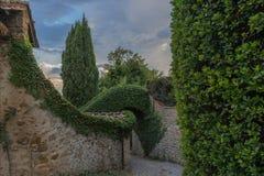 Włoski podwórze w małej wiosce średniowieczny początek Volpaia, Tuscany, Włochy fotografia royalty free