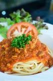Włoski spaghetti nakrywający z bolognaise lub Bolognese, kumberlandów wi Zdjęcia Stock