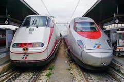 Włoski wysoki prędkość pociąg przy Wenecja stacją obraz stock