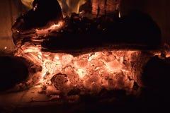 Wściekać się rozwidlenia płomień w grabie zdjęcia royalty free