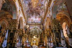 Wśrodku Bernardyńskiego kościół w Lviv fotografia royalty free