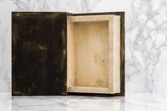 Wśrodku drewnianego pudełka Fotografia Stock