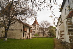 Wśrodku fortecznego kościół Harman, Brasov, Transylvania, Rumunia obraz royalty free