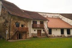 Wśrodku fortecznego kościół Harman, Brasov, Transylvania, Rumunia zdjęcie stock