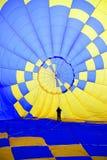 Wśrodku gorące powietrze balonu fotografia stock