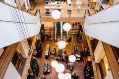 Wśrodku Illums Bolighus, Kopenhaga, Dani data: Wrzesień 2016 Zdjęcia Royalty Free