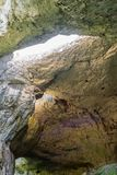 Wśrodku jamy - dach z dziurą Bułgaria, Devetashka Cav Obrazy Royalty Free