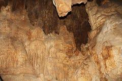 Wśrodku jamy Kolosalny jamy góry park obraz stock