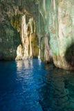 Wśrodku jamy Pacyficznej wyspy zdjęcie royalty free