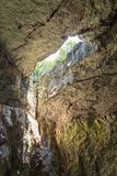 Wśrodku jamy witn dziura w Dachowym Bułgaria, Devetashka Ca Fotografia Royalty Free