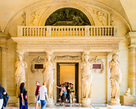 Wśrodku louvre muzeum zdjęcia royalty free