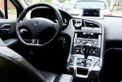 Wśrodku Peugeot 5008 obraz royalty free
