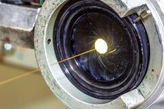 Wśrodku starego fabrycznego rękodzielniczego elektrycznego kabla przestarzały Obrazy Royalty Free