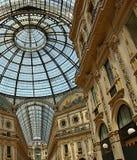 Wśrodku widoku galeria Vittorio Emanuele w Mediolan zdjęcie royalty free