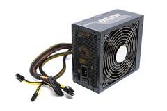 850W与缆绳和开关的电源单位我O,充分的ATX塔盒个人计算机的黑颜色有ioslated的凉快的大爱好者 免版税库存照片