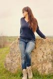 W średnim wieku kobieta myśleć outdoors Obraz Royalty Free