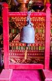 W świątyni tajlandzki Bell. Zdjęcia Royalty Free