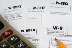 W-9和w-8ben报税表 库存图片