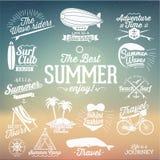 夏天书法设计的减速火箭的元素|葡萄酒装饰品|所有在暑假|热带天堂,海,阳光, w 免版税库存照片