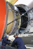 W akci samolotowi mechanicy Obraz Stock