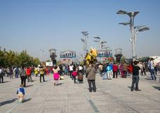 W Azja, Chiny, Pekin, Olimpijski park, Francja maszynerii smoka horse† parady wielcy występy, Obraz Stock