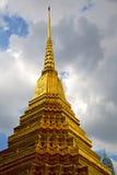 w Bangkok deszczu niebie i kolor religii Obrazy Stock