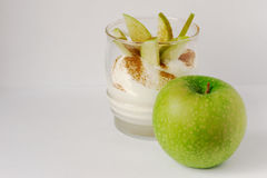 W biel talerzu piec jabłko Fotografia Royalty Free