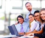 W biurze biznes drużyna Fotografia Royalty Free