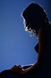 W blask księżyca kobiety obsiadanie zdjęcia royalty free