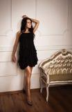 W boudoir atrakcyjna młoda kobieta Fotografia Stock