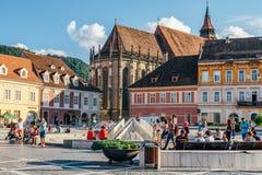 W Brasov rada kwadracie Piata Sfatului Lokalizuje rada dom Stary miasteczko I Czarny kościół, Fotografia Royalty Free