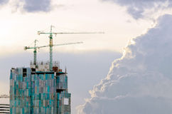 W budowie żuraw i budynku aga Zdjęcie Stock