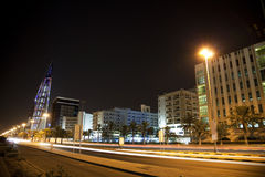 w centrum Bahrain noc Manama Obrazy Stock