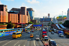 w centrum Hong kong ruch drogowy obraz stock