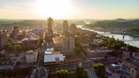 W centrum Knoxville Tennessee linia horyzontu w ranku świetle słonecznym obraz stock